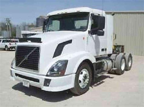 2004 volvo truck volvo vnl 2004 daycab semi trucks