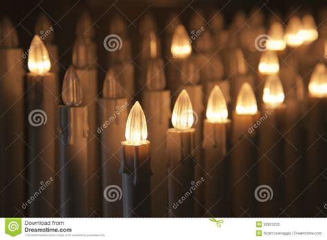 candele elettriche candele votive elettriche fotografia stock immagine