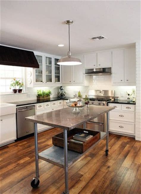 stainless steel kitchen island on wheels 25 best stainless steel island ideas on pinterest