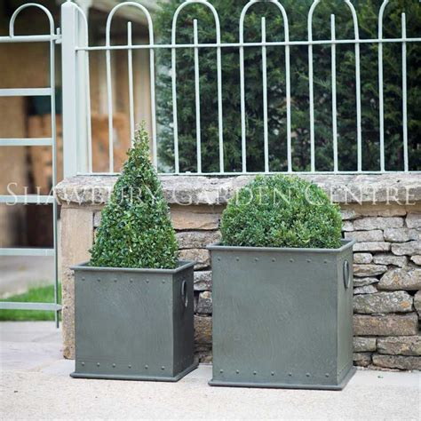 Large Metal Garden Planters by Garden Trading Tetbury Riveted Planter Large