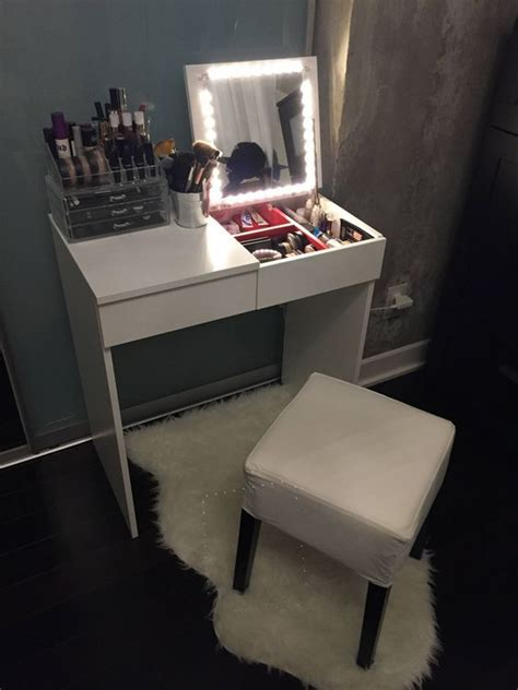 25 great ideas about small makeup vanities on