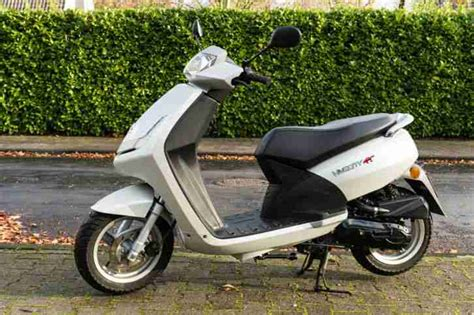 Roller Kaufen Neu Peugeot by Motorroller Peugeot Vivacity Fast Neu 322 Km Bestes