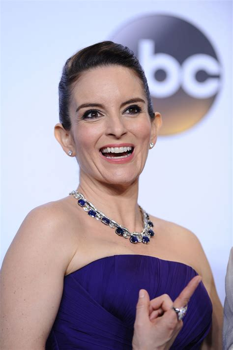 Tina Fey Hairstyle by Tina Fey Hairstyle Side View Hairstyle 2013