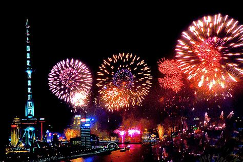about new year in happy new year beautiful fireworks 新年快樂煙火秀