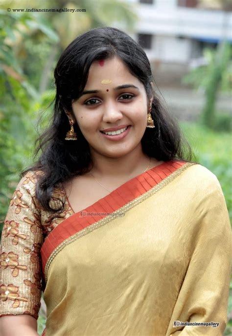 actress ananya college actress ananya saree still veethi