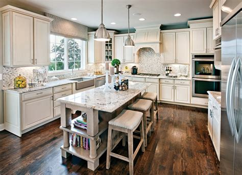 Yorktowne Kitchen Cabinets by Family Home Main Floor Color Scheme Ideas Home Bunch