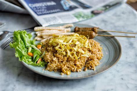 latar belakang membuat nasi goreng food review sate khas senayan jakarta