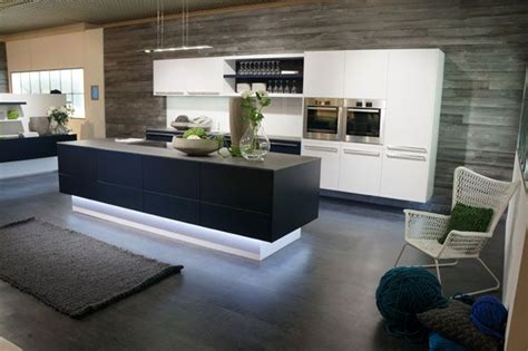 Toe Kick Lighting In Kitchen Beautiful Toe Kick Led Lighting In A Cool White Color To Accentuate The Modern Hues In This