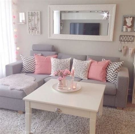 cute couch 10 ways to make your on cus apartment a home