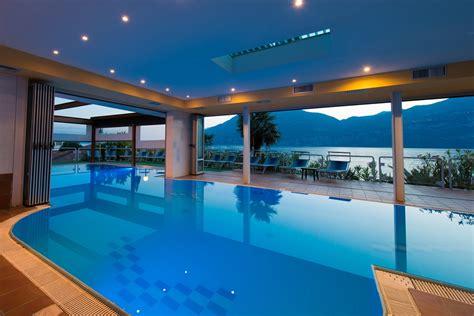 agriturismo piscina interna zona relax sul lago di garda piscina riscaldata spiaggia
