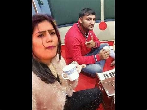 sapna choudhary and husband sapna haryanvi dancer with her boyfriend 2016 youtube