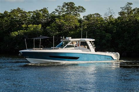 whaler power boats new boston whaler 420 outrage power boats boats online