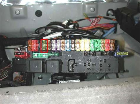 boat radio blowing fuses central locking and boot locking and closing mercedes