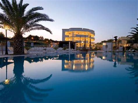 hotel il gabbiano marina di pulsano gabbiano hotel a marina di pulsano maggialetti viaggi