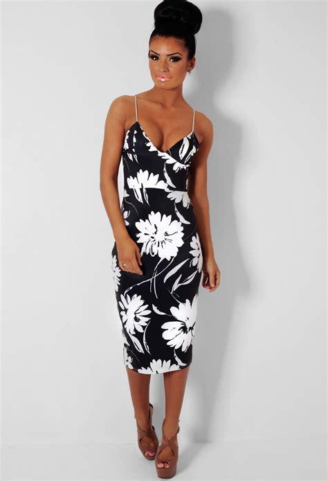 Get The Look Black White Floral Dresses For 100 de sureau black and white floral print dress pink boutique