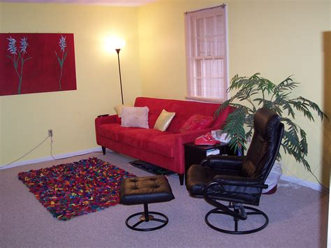red couch decorating ideas red couch decorating ideas ehow uk