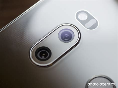 camara lg lg s focus on the v30 cameras is great for pros and