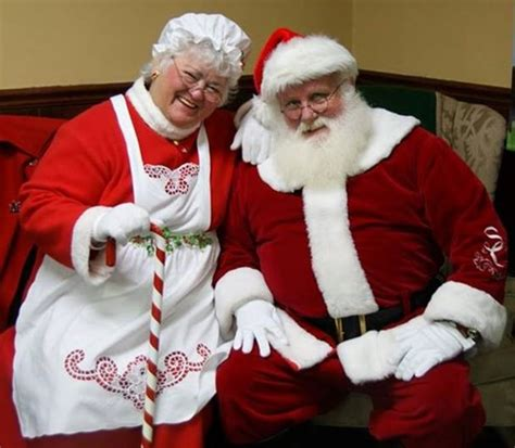 photo op special event santa and mrs merry claus visit