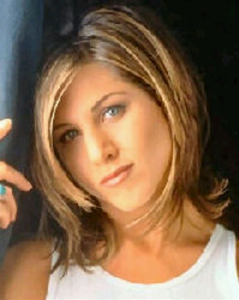 pictures of women wearing the rachel haircut 17 best ideas about jennifer aniston short hair on