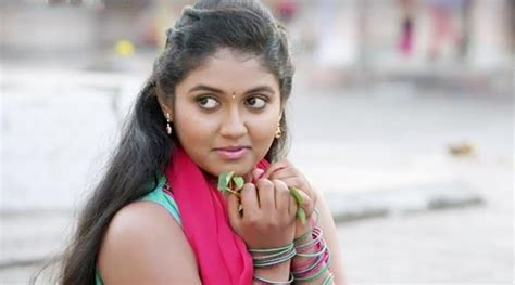 sairat film actress name sairat actor rinku rajguru bunks school on first day