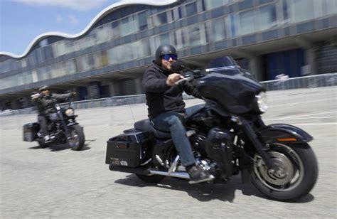 Hamburg Motorradtreffen by Motorradtreffen Harley Days Locken Echte Und