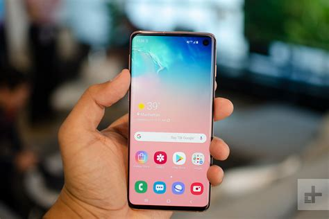 Samsung Galaxy S10 Overheating by Samsung S S10e Joins Galaxy S10 S10 Plus 2019 Smartphone Lineup Digital Trends