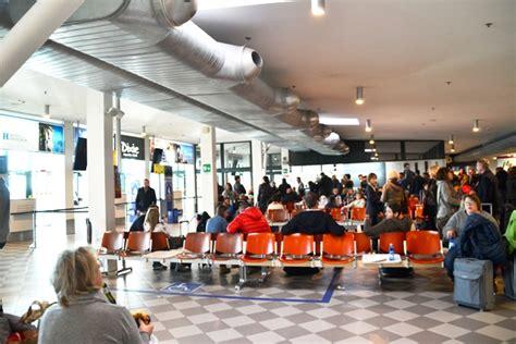 ufficio turistico pisa ufficio turistico dentro l aeroporto si va verso il