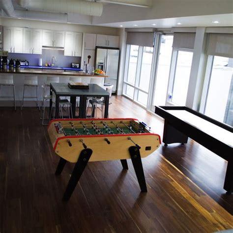 sala de juegos en casa m 225 s de 25 ideas incre 237 bles sobre suelo sala de juegos en