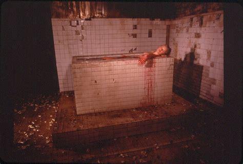 hostel 2 bathtub scene blood bath photos blood bath images ravepad the place