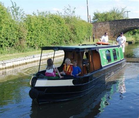 canal boat hire uk oxford twyford wharf narrowboats day boat hire oxford canal
