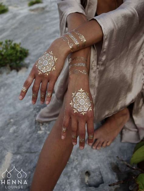 gold henna tattoo designs 25 best ideas about gold on flash