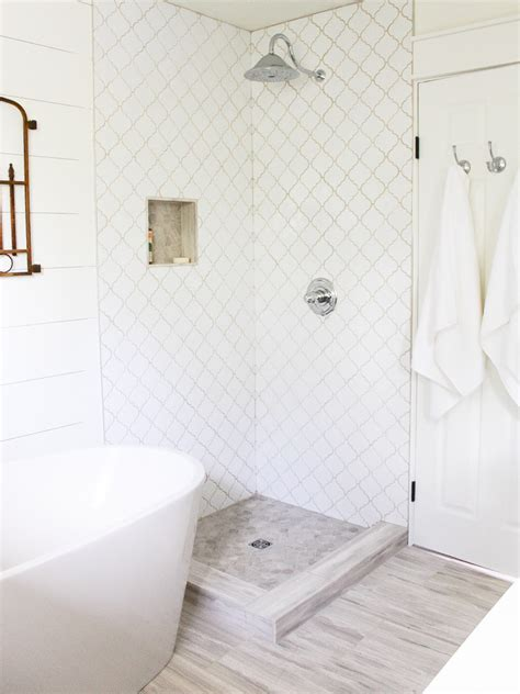 Bathroom Tile Glaze 9 79sf Whisper White Arabesque Glazed Porcelain Mosaic Tile
