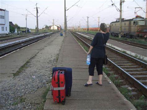 wann kommt mein zug 10 bahnreise tipps mit dem zug durch rum 228 nien anders reisen