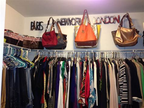 Hang Purses In Closet by 25 Best Ideas About Hanging Purses On