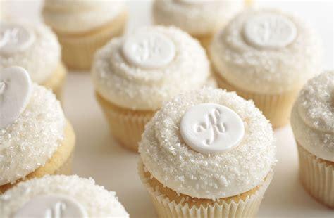 Initials Wedding Cupcakes   Cupcakes Gallery