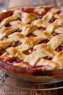 rhabarber erdbeer kuchen strawberry rhubarb pie sallys baking addiction