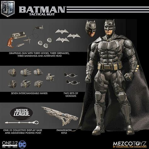 Mezco Toyz Tactical Suit Batman Figure 3   Beantown Review