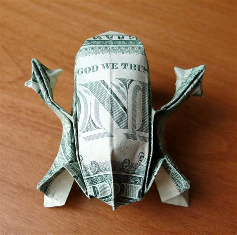 dollar bill origami tree frog by craigfoldsfives on deviantart