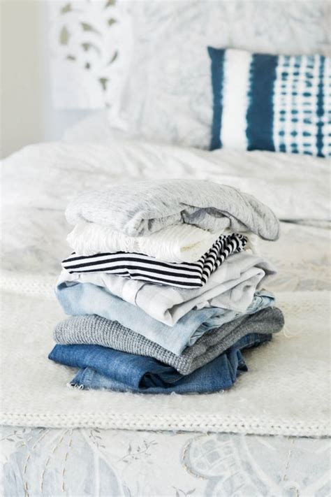 clean out your closet cleaning out your closet how to blog glamcorner
