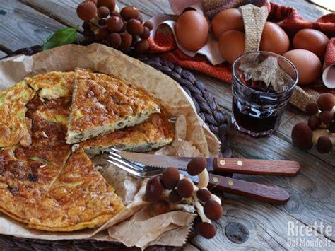 Come Cucinare I Funghi Chiodini by Frittata Di Funghi Chiodini E Salsiccia Ricettedalmondo