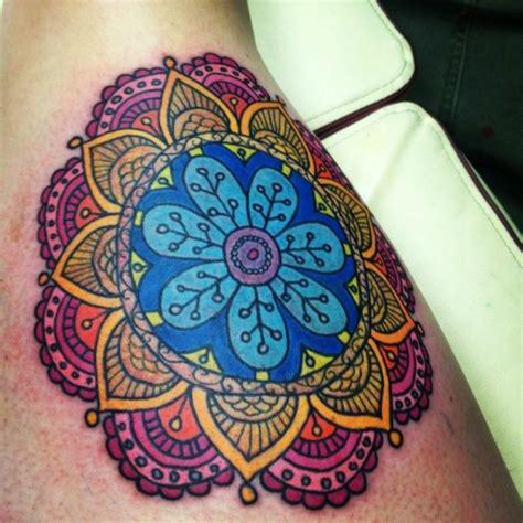 mandala tattoo zeit 1001 ideen f 252 r mandala tattoo f 252 r m 228 nner und frauen