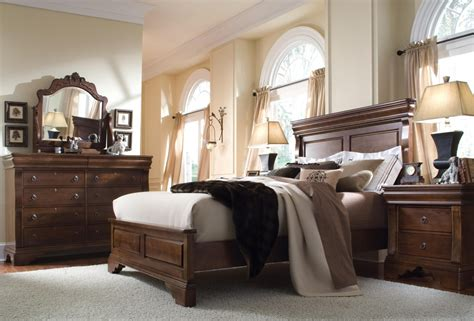 Chocolate Bedroom Furniture Modern Brown Wood Bedroom Furniture Set On The Grey Rug Also Beige Curtains Of Glass Windows In