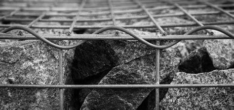 Setrika Besi Hitam gambar outdoor batu pagar hitam dan putih arsitektur
