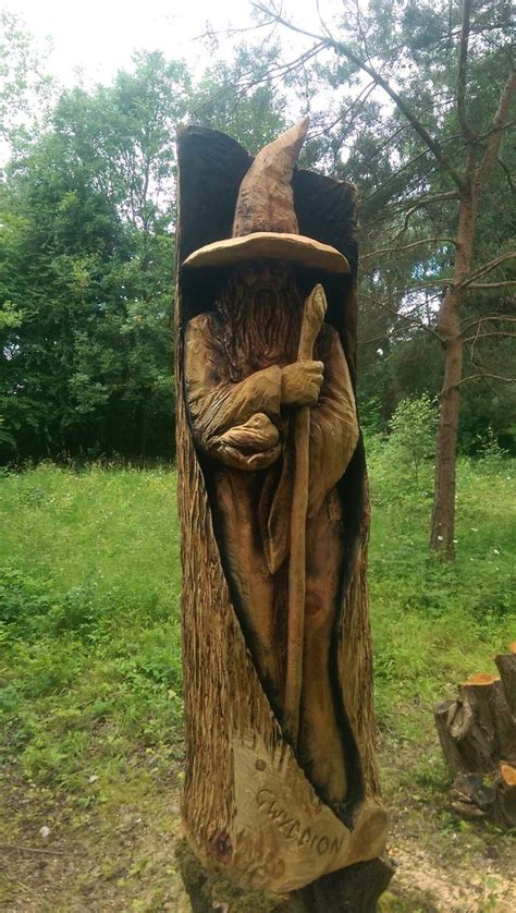detailed wooden sculptures carved  chainsaw incredible snaps