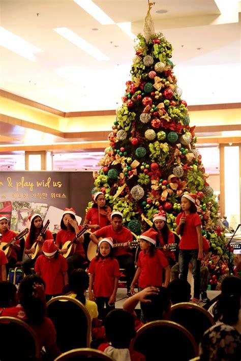 christmas lighting ceremony hotel gm speech widus tree lighting ceremony iorbitnews