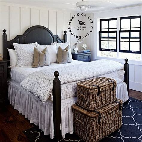 Muskoka Interior Design by 25 Best Ideas About Cottage Style Bedrooms On
