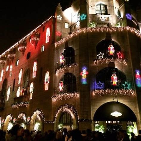 christmas lights tour around downtown riverside and