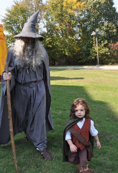 gandalf  frodo   shire family cosplay fun