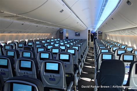 Taking a VIP Polaris Flight on United's First 777-300ER ... United Airlines 777 Interior