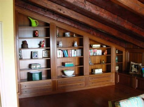 arredamento per mansarde libreria su misura in mansarda